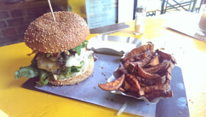 Yellow burger Berlin